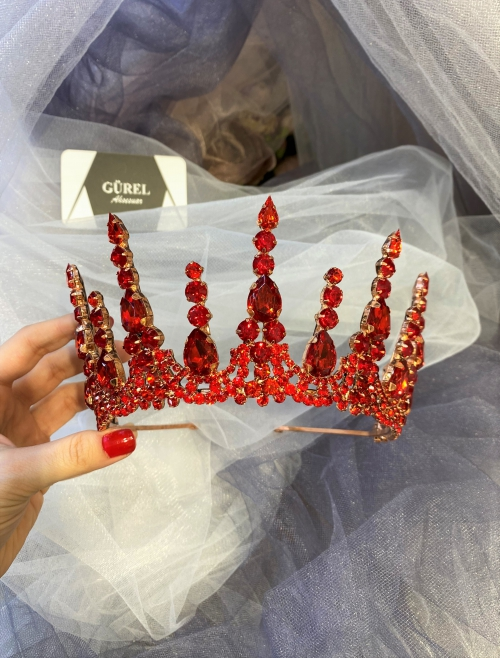 Crystal Red Crowns