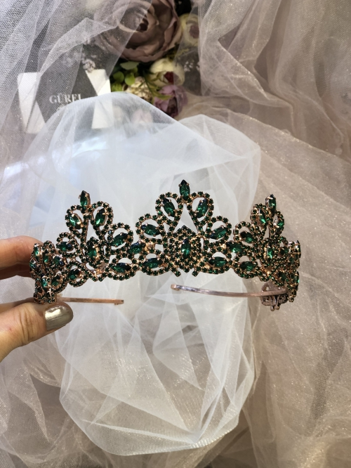 Crystal Green Crown