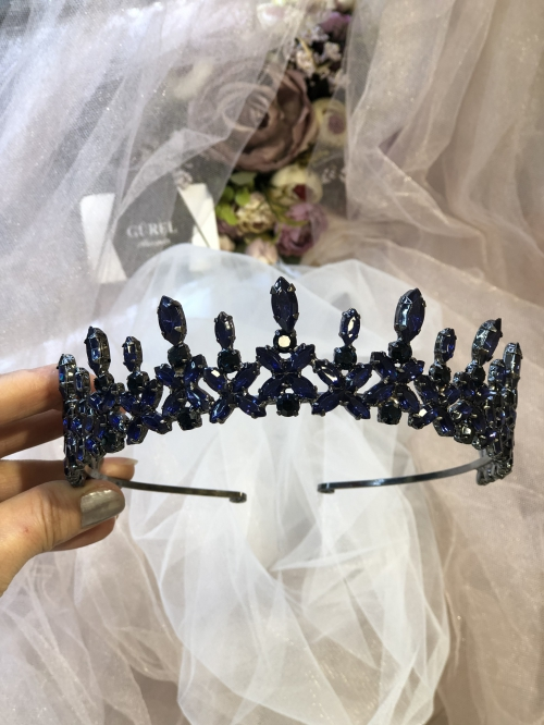 Crystal Black Crowns