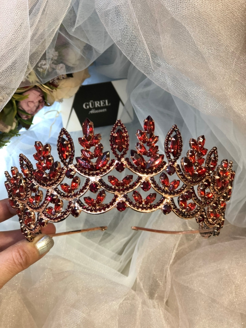 Crystal Claret Red Crowns